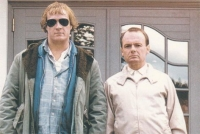 Elling (Per Christian Ellefsen, links) und Kjell-Bjarne (Sven Nordin) verbindet eine innige Männerfreundschaft.