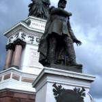 Oberst Pierre Philippe Denfert-Rocherau wurde für seine heldenhafte Verteidigung von Belfort ein Denkmal mitten in der Stadt errichtet.