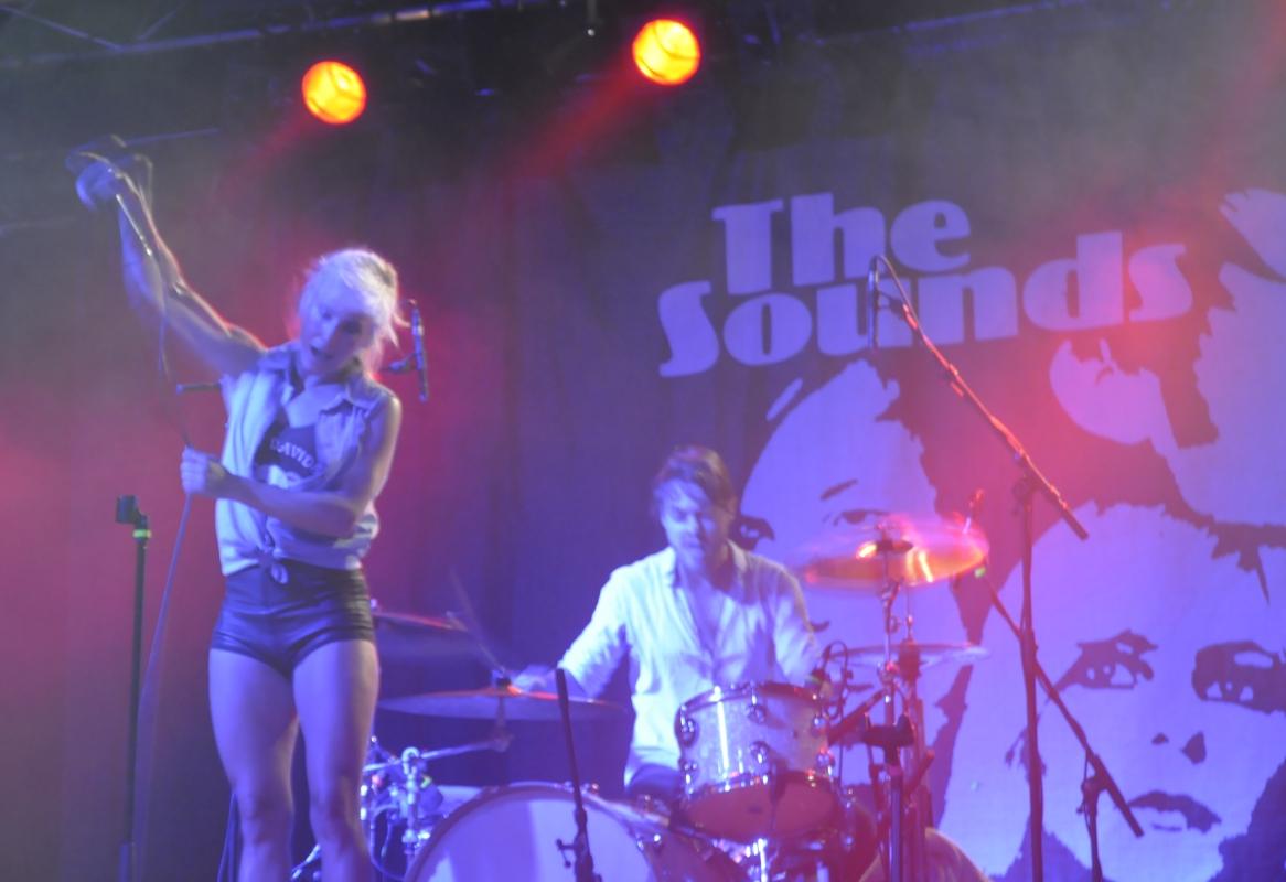 Sängerin Maja Ivarsson legte sich dabei mächtig ins Zeug.