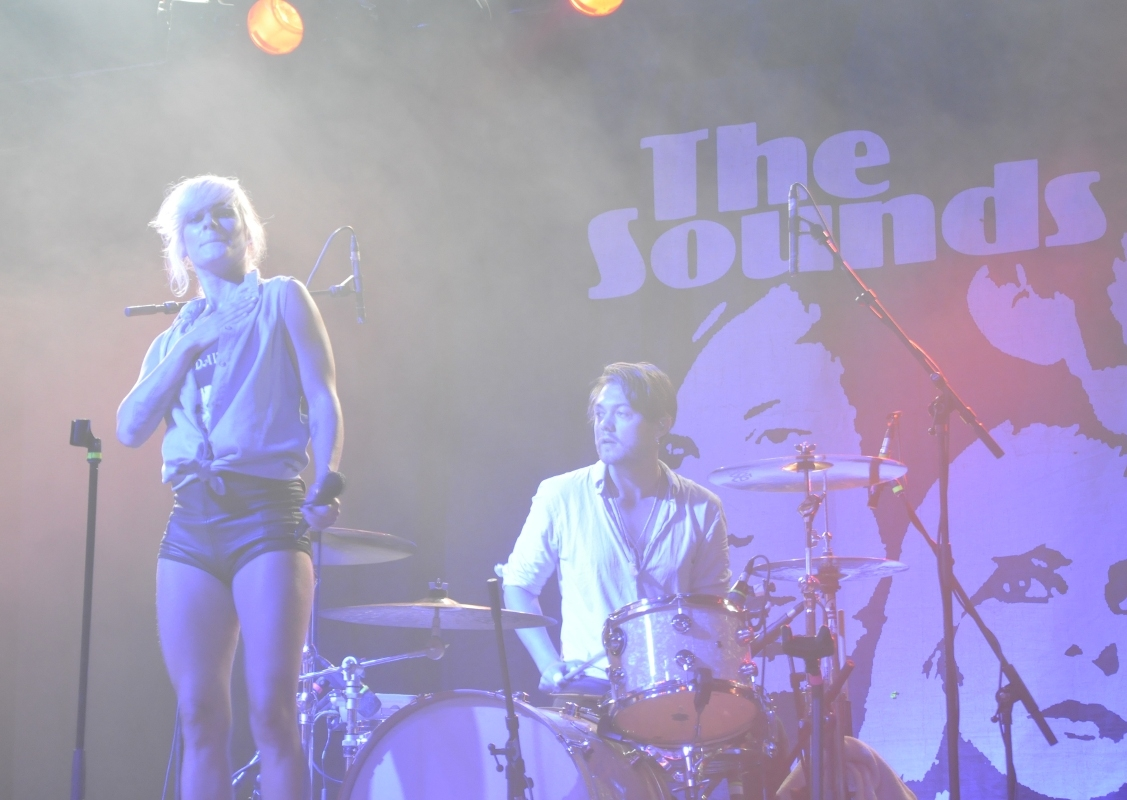 Ganz großer Spaß: The Sounds begeisterten auf der Tent Stage.
