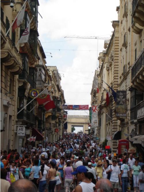 Wer es bisher nicht geglaubt hat: Malta ist das am dichtesten bevölkertste Land Europas.