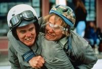 Lloyd (Jim Carrey) und sein Freund Harry (Jeff Daniels) sind auf dem Weg nach Colorado.