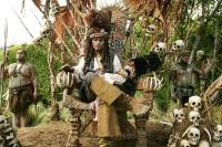 Der Kompass das Piraten Jack Sparrow (Johnny Depp) ist heiß begehrt.
