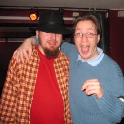 Die Stargäste: Justin Timberlake (jetzt mit Hut) und Ethan Hawke (jetzt mit Brille).