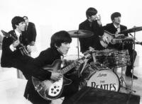 """Die Beatles nehmen in """"A hard day's Night"""" bereits Monty Python vorweg."""