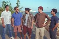 In einem eigens gemieteten Strandhaus hoffen Jim und seine Freunde auf den Sommer ihres Lebens.