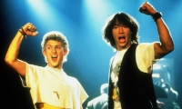 Bill (Alex Winter, links) und Ted (Keanu Reeves) holen sich Hausaufgabenhilfe aus der Zukunft.