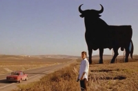 In Spanien entdecken viele der Figuren ihre Einsamkeit.