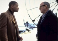 Der Anwalt Robert Dean (Will Smith, links) findet in Brill (Gene Hackman) einen Komplizen.