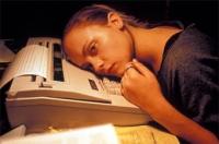Elizabeth (Christina Ricci) leidet an einer Schreibblockade.