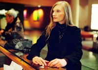 Valerie (Agata Buzek) schnorrt sich durch die Hauptstadt.