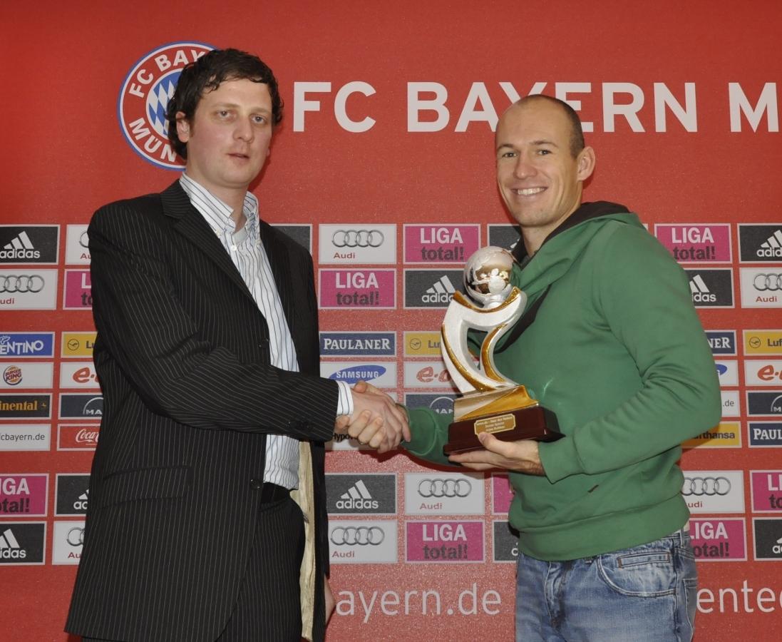 Gleich in seiner ersten Spielzeit in der Bundesliga wurde Arjen Robben zum news.de-Star der Saison.