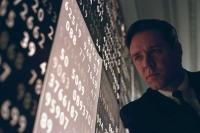 Der Mathematiker John Nash (Russell Crowe) lebt im Wahn, Codes für die Regierung knacken zu müssen.