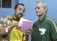 Don (Bill Murray, rechts) lässt sich von Winston (Jeffrey Wright) zu einer Reise in die Vergangenheit überreden.