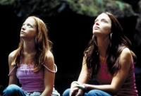 Mona und Tamsin (Emily Blunt) schaffen sich ihre eigene Welt.
