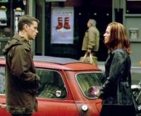 Maria Kreutz (Franka Potente) hilft Jason Bourne (Matt Damon) bei der Flucht.