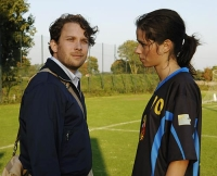 Anna (Nora Tschirner) will Paul (Christian Ulmen) das Fußballspielen verbieten.