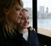 Anna (Heike Makatsch, links) und Maria (Anna Maria Mühe) wollen sich in einem Urlaub besser kennen lernen.