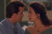 Topper Harley (Charlie Sheen) kommt nicht von seiner Traumfrau Ramada (Valeria Golino) los.