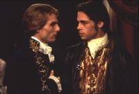 Louis (Brad Pitt, rechts) wird von Lestat (Tom Cruise) zum Vampir gemacht.