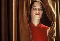 Iris (Franka Potente) vererbt ihr Talent an ihre Tochter. Kein Wunder, denn die ist ihr Klon.