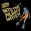 """Rein ins Meer der Möglichkeiten: """"Into The Murky Water"""" strotzt vor Eleganz."""