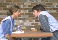 Justine (Jennifer Aniston) beginnt eine Affäre mit Holden (Jake Gyllenhaal).