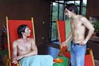 Regisseur Enrique (Fele Martinez, links) bekommt Besuch von seinem alten Freund Ignacio (Gael Garcia Bernal).
