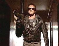 Der T-800 (Arnold Schwarzenegger) ist die ultimative Tötungsmaschine.