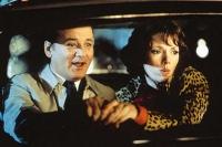 Auch Lorelei (Joanne Whalley) hält Wallace Ritchie (Bill Murray) für einen Geheimagenten.