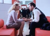 Anna (Sophie Schütt) ist heimlich verliebt ihren Chef Christian (Johannes Brandrup).