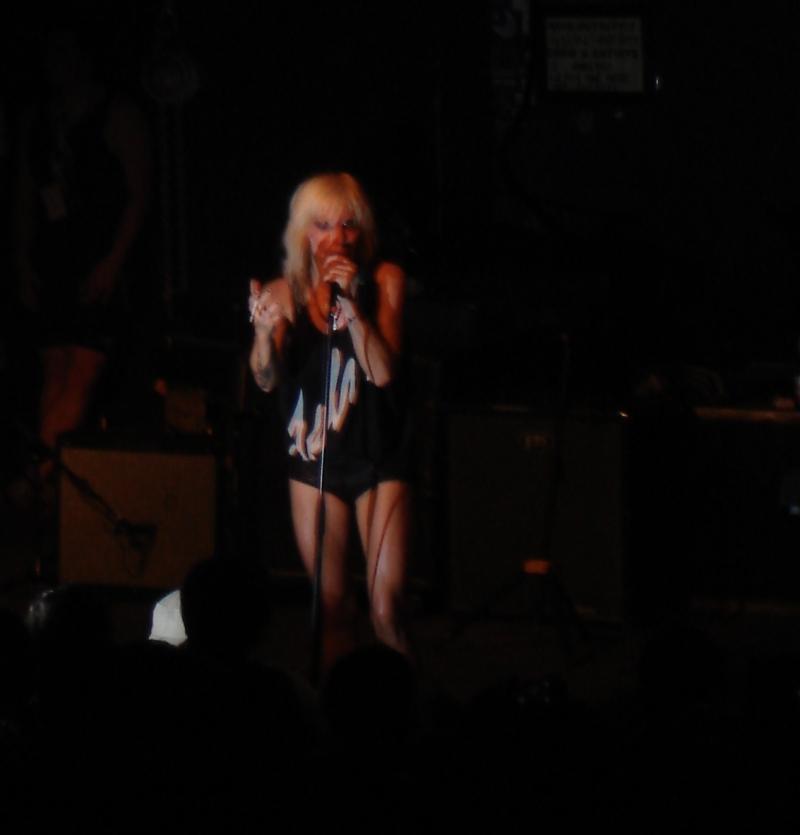 Maja Ivarsson bewies in Leipzig, dass sie der ultimative Rockstar ist.