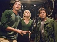 George (Simon Rex), Cindy (Anna Faris) und Tom (Charlie Sheen) erwarten die Ankunft von Außerirdischen.