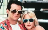 Clarence (Christian Slater) und Alabama (Patricia Arquette) wollen einen Koffer voller Drogen loswerden.