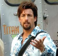 Zohan (Adam Sandler) will der beste Friseur der Welt werden.