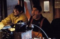 Captain Billy Tyne (George Clooney, rechts) und Bobby Shatford (Mark Wahlberg) geraten in den Sturm des Jahrhunderts.