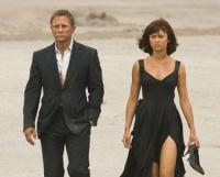 James Bond (Daniel Craig) und Camille (Olga Kurylenko) haben denselben Gegner.