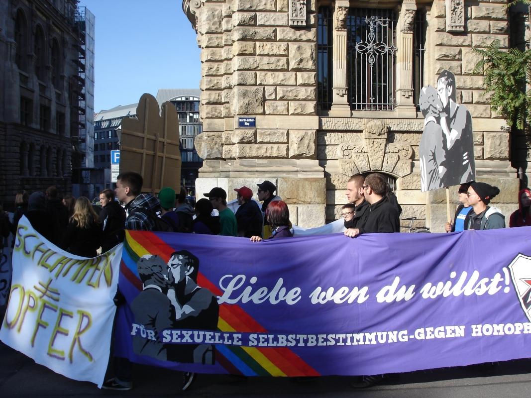 Gegen Diskriminierung, gegen sexuelle Gewalt - da machten diverse Gruppen mit.