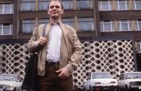 Klaus (Daniel Borgwardt) ist glücklich in der DDR.