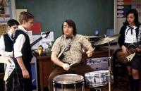 Dewey (Jack Black) will den Rockstar in seinen Schülern wecken.