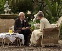 Florentino (Javier Bardem) wartet mehr als 50 Jahre, um Fermina (Giovanna Mezzogiorno) nahe sein zu können.