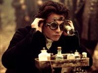 Constable Crane (Johnny Depp) muss bei seinen Ermittlungen an sich selbst zweifeln.