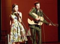 Johnny Cash (Joaquin Phoenix) und June Carter (Reese Witherspoon) sind nicht nur auf der Bühne eine explosive Mischung.