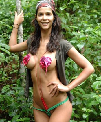 Die Wäsche ist schnell gemacht: Micaela Schäfer war im Dschungelcamp dauernackt. Foto: RTL/Stefan Menne