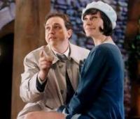Chief Inspector Even Longer (Oliver Kalkofe) muss seine Geliebte Victoria Dichkam (Christiane Paul) vor dem Wixxer beschützen.