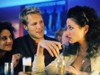 Simon Peters (Oliver Pocher) hat kein Glück bei den Frauen.