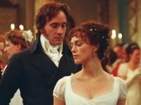 Elizabeth (Keira Knightley) spekuliert auf eine Heirat mit Mr. Darcy (Matthew Macfayden).