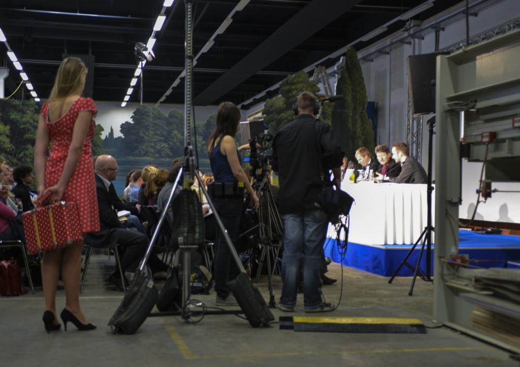 Es ist voll im Studio 5 - vor allem dank der Böhmermann-Fans. Foto: Stefan Fischer / S-WOK