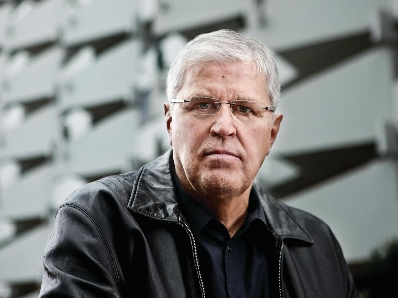 Ex-Kommissar Peter Schnieders findet skandinavische Krimis am besten. Foto: Goldmann Verlag/Boris Breuer