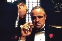 Vito Corleone (Marlon Brando) ist der Oberboss in der Unterwelt.